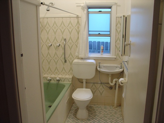 Basic bathroom renovations part one planning shebuilds for Cost effective bathroom renovations